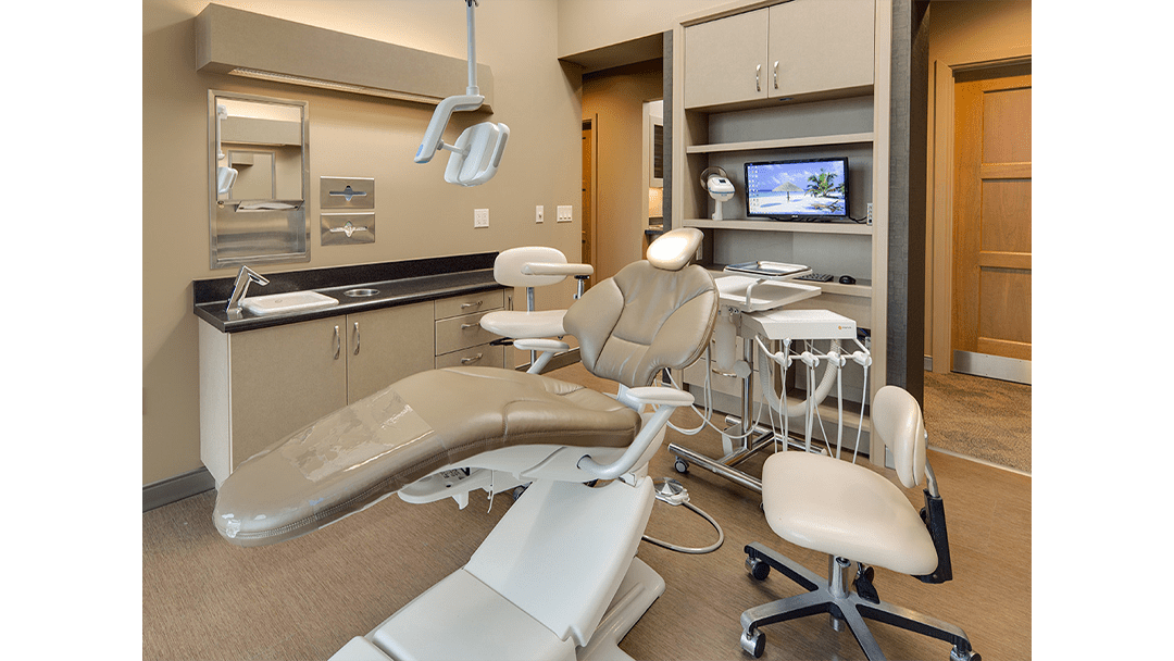 Dr. Lofthus Periodontic Dental Office Design, Operatory